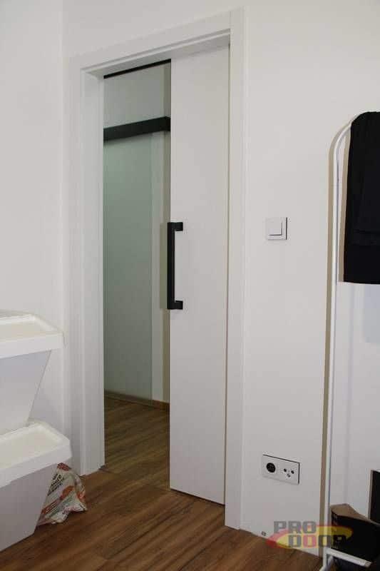 interierove dvere sapeli bile cerne doplnky elegant 4