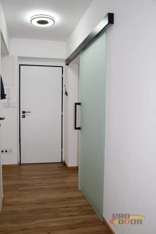 interierove dvere sapeli bile cerne doplnky elegant 6