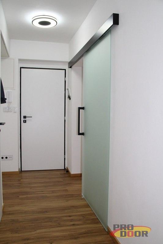 interierove dvere sapeli bile cerne doplnky elegant