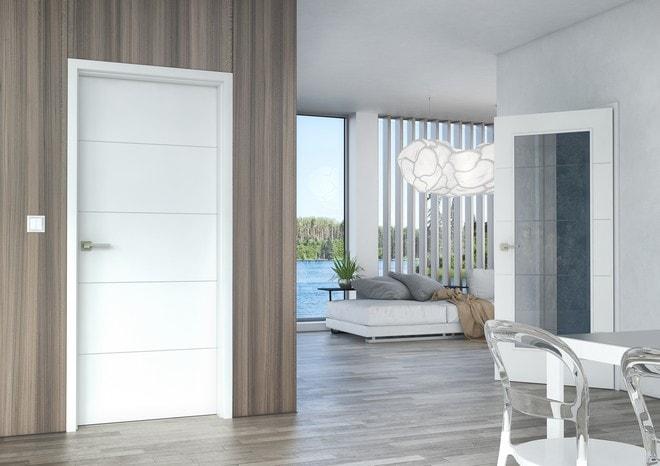 Bílé interiérové dveře Sapeli
