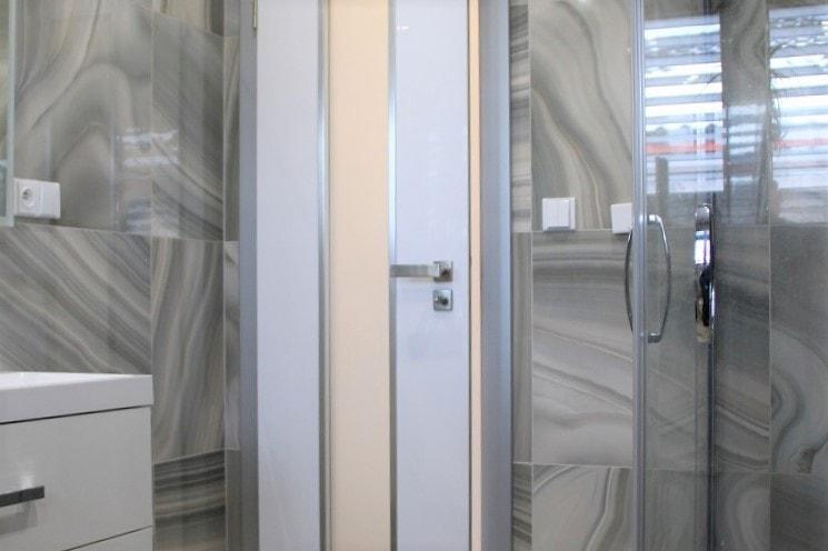 bílé interiérové dveře kadaň