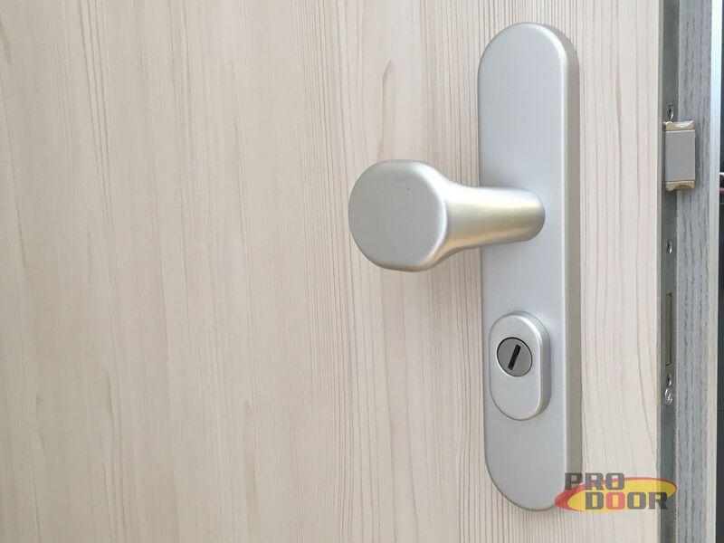 bezpečnostní dveře bezpečnostní kování