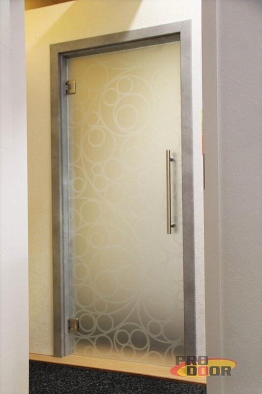skleněné kyvné dveře a obložkové zárubně beton teplice