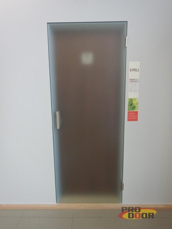 skleněné bezpolodrážkové dveře sapeli TEG ve skryté zárubni